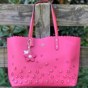 37651 Coach Appliqué Dahila Pink Rivet Flower Tote
